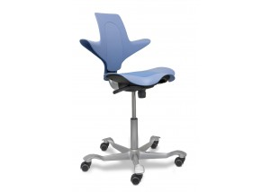 Capisco Puls in Blue with Seat Pad